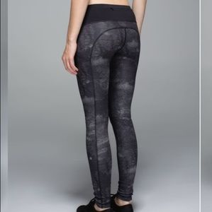 Lululemon Speed Tight II Luxtreme Sequin Snake